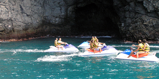 jet-ski-safari-group-in-front-of-cave